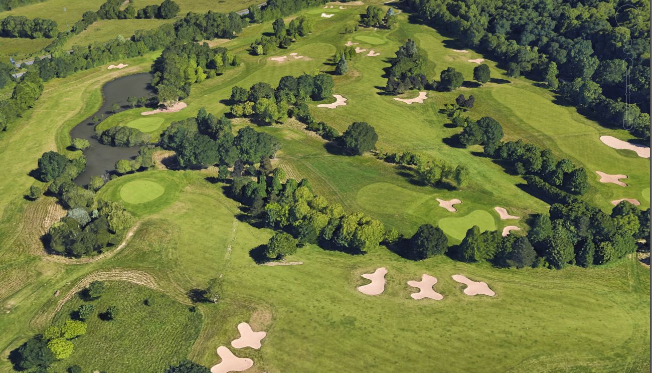 280/Chateau_Perriere/Exterieur/golf_course.JPG
