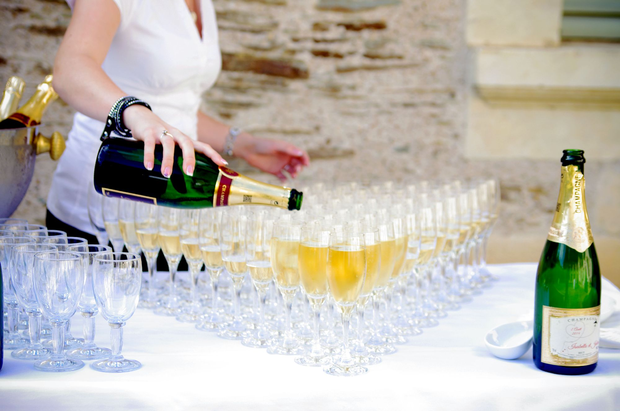 280/Chateau_Perriere/Mariages/mariage_champagne.jpg